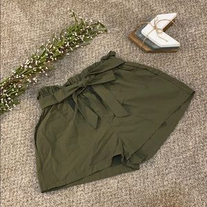 Green paper bag shorts with tie!